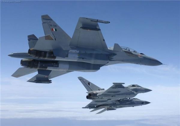 истребители ВВС Франции уже находятся в небе над Ливией
