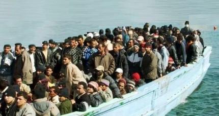 Иммигранты направляются в италию