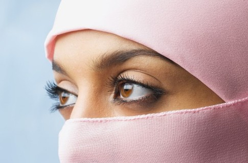 Во Франции запрещают носить паранджу