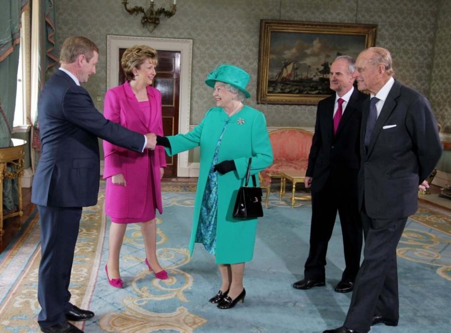 Королева Британии Елизавета II посетила Ирландию