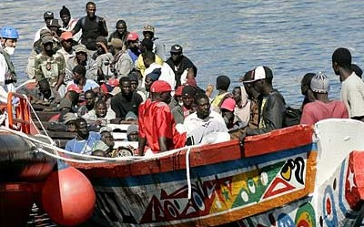 Испанские спасатели ищут пропавших африканцев