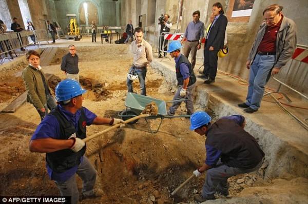 Учёные исследуют могилу Лизы Герардини де Джокондо