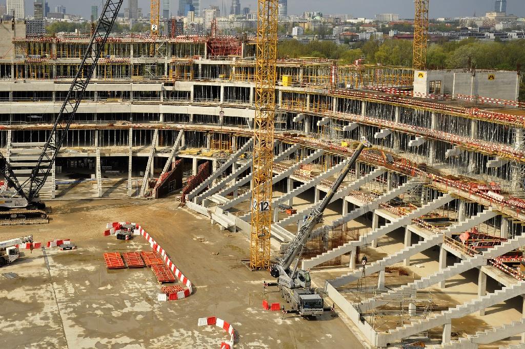 Польша не успевает построить стадионы