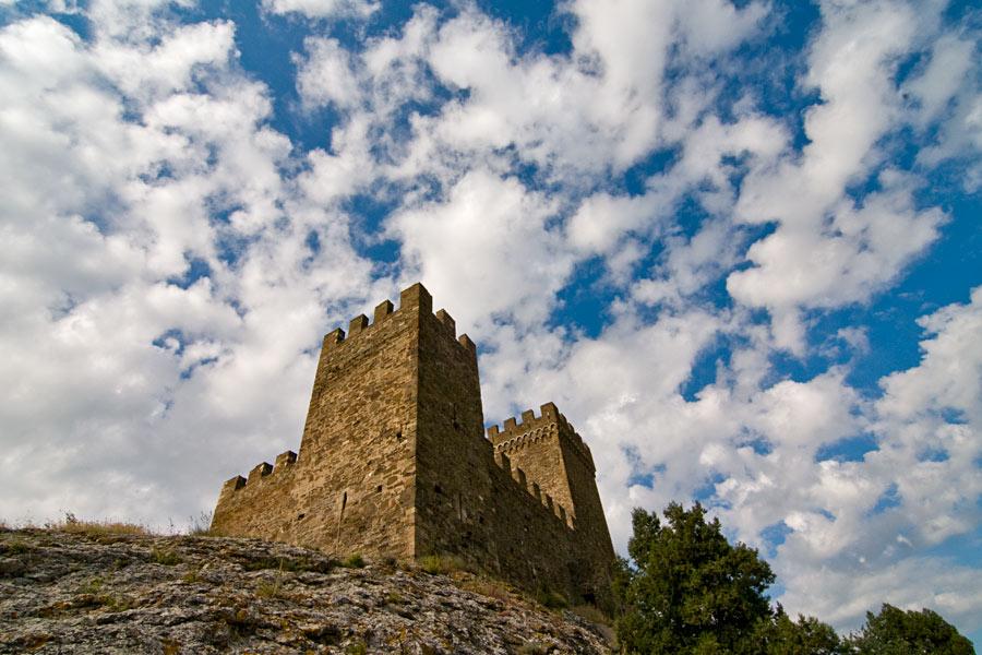 Башни генуэзской крепости