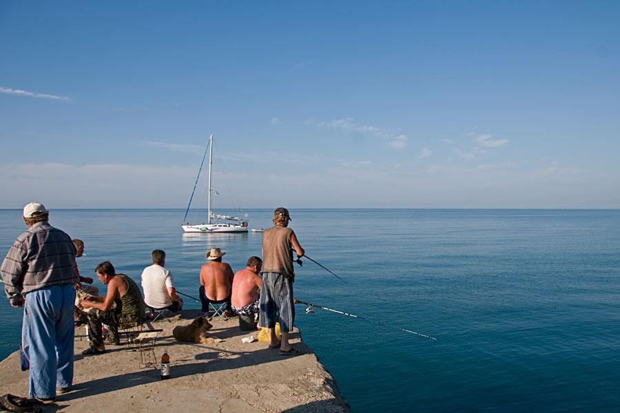 Ловить рыбу в Судаке, очевидно - неплохое развлечение