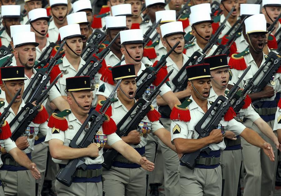 Военный парад ко дню Бастилии