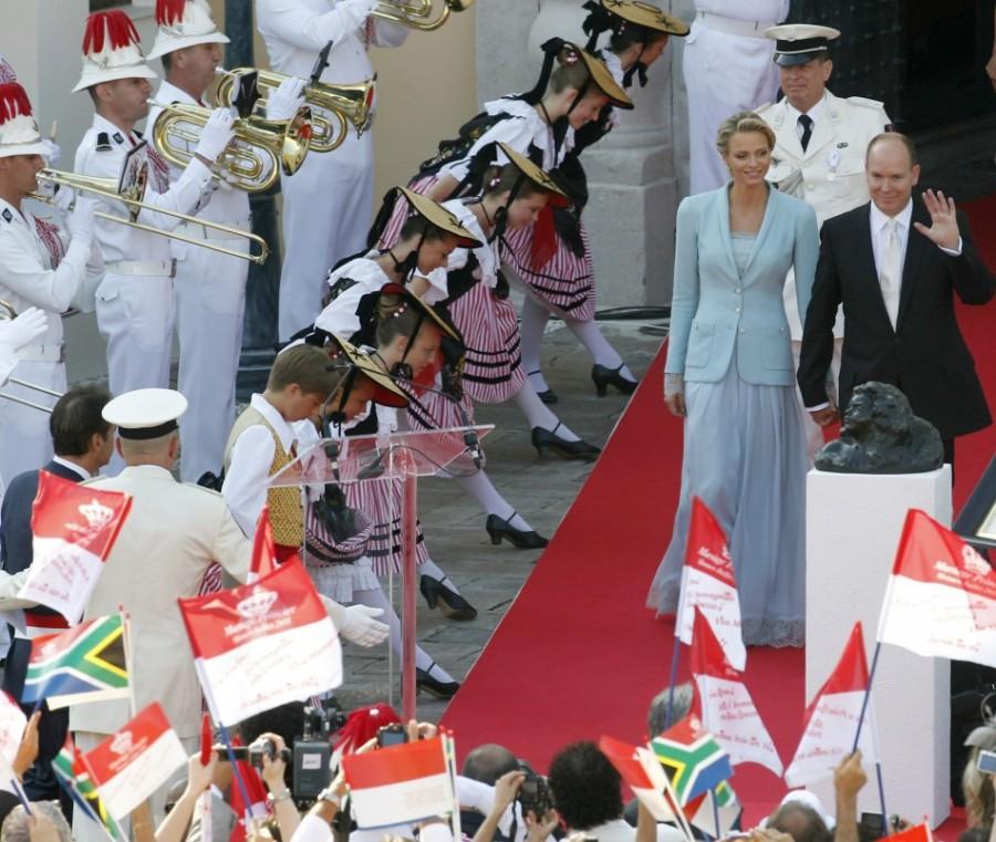 На церемонии бракосочетания князя Монако Альбера II и Шарлин Уиттсток, 1 июля 2011 года.