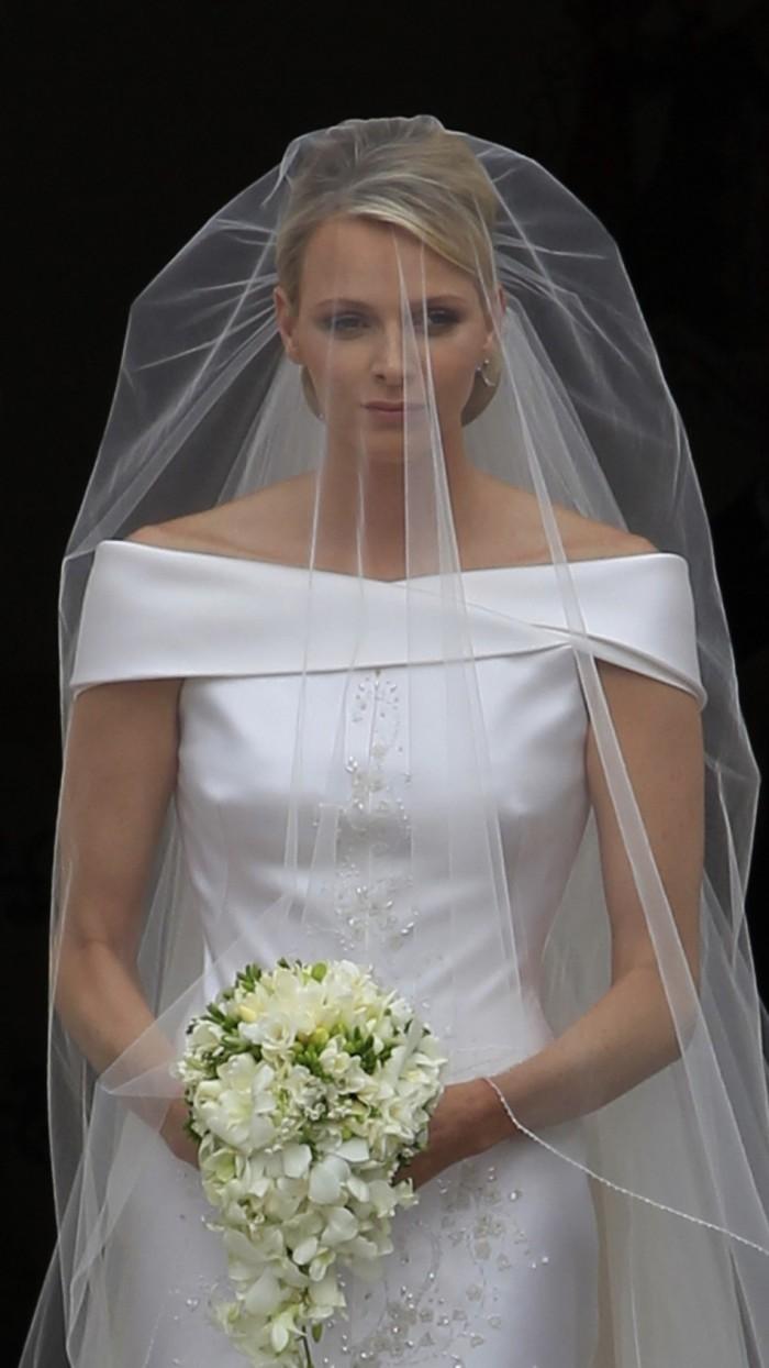 Княгиня Шарлин в свадебном платье от Армани, 2 июля 2011 г.