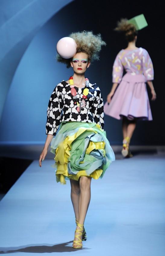 Из коллекции Dior,  осень-зима 2011/2012 показ мод в Париже 4 июля 2011