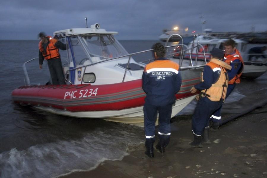 Операция МЧС по писку и спасению пассажиров затонувшего теплохода БУЛГАРИЯ
