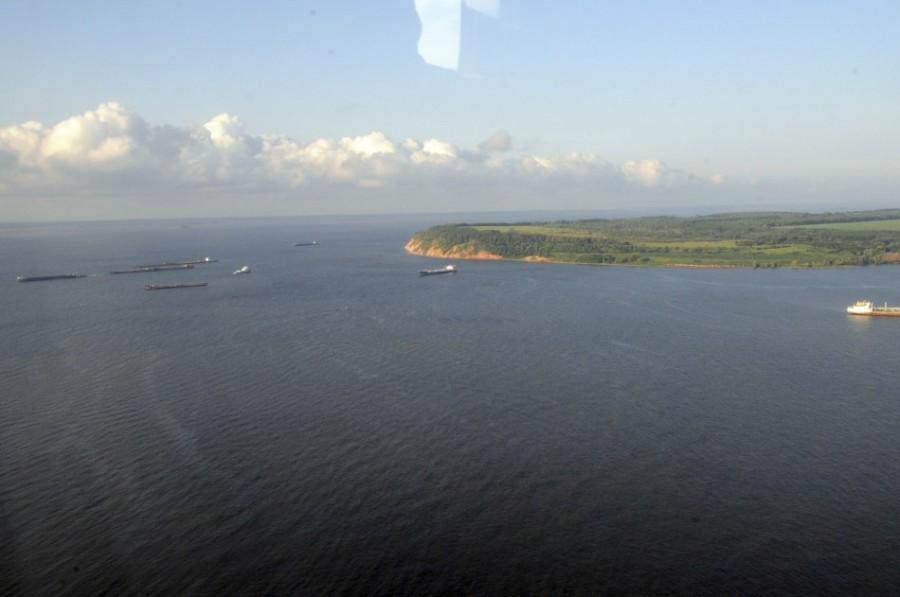 Место трагедии. Река Волга. Идет операция по поиску и спасению пассажиров теплохода Булгария