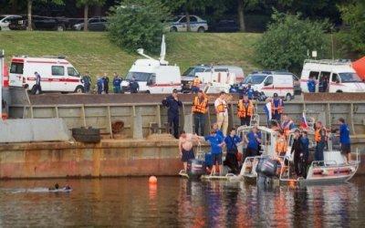 Кораблекрушение на Москва-реке