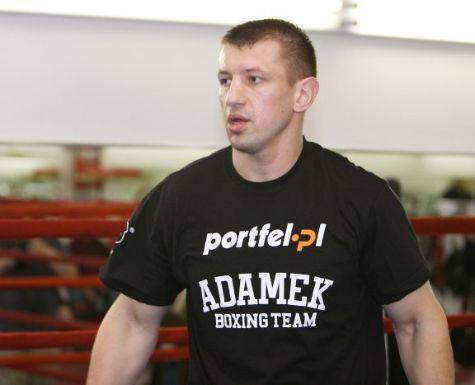 Адамек упорно готовится к поединку с Кличко