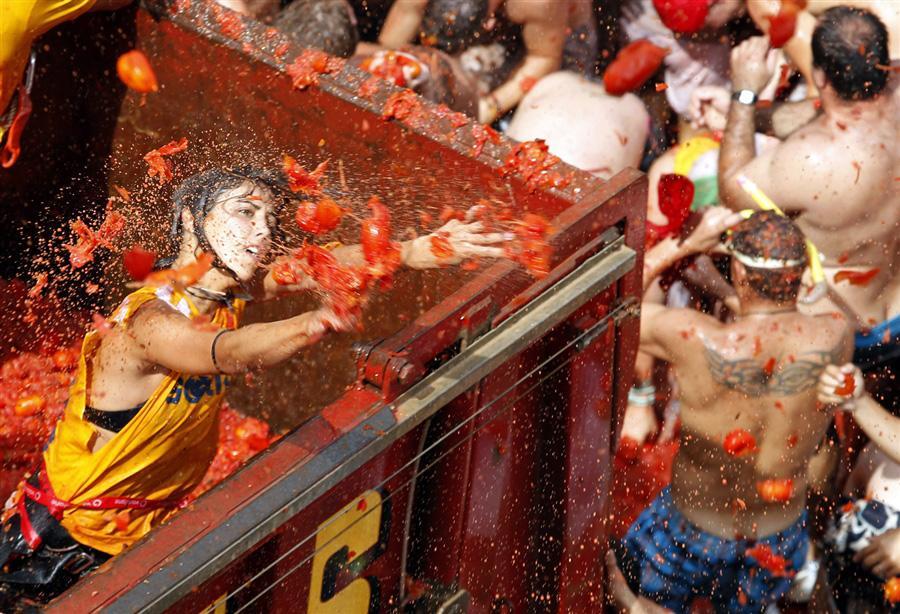 Испанский городок тонет в томатном соке