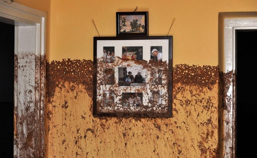 Октябрь 2010, Колонтар, отметены на стенах внутри дома