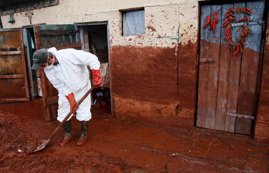 Октябрь 2010, Колонтар, разрушительные последствия катастрофы