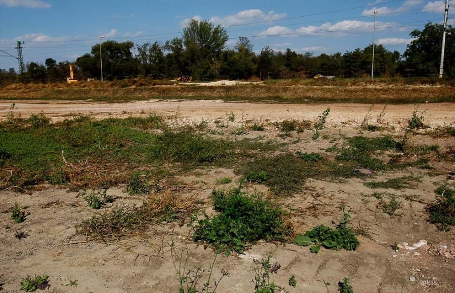 Сентябрь 2011, Колонтар, вдали еще работает строительная техника
