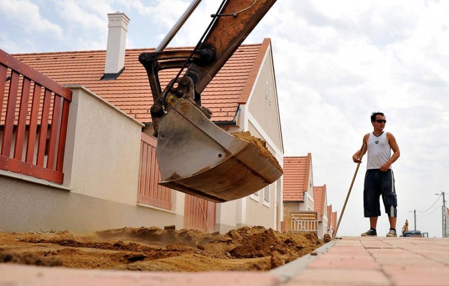 Строительство новых домов в Венгрии продолжается в течение года