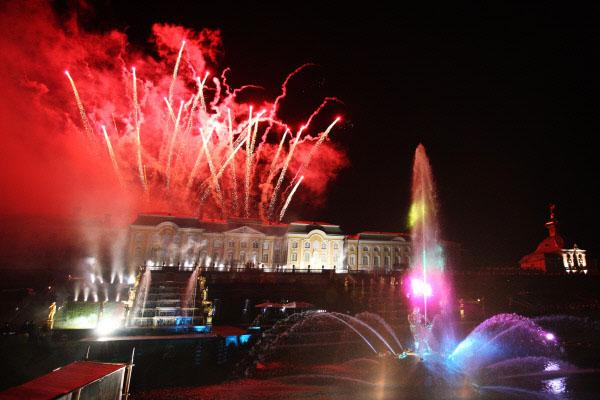 Прощальное шоу фонтанов