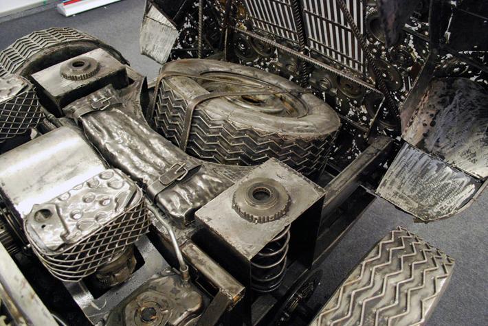 Преображение металлолома компанией Giganten Aus Stahl