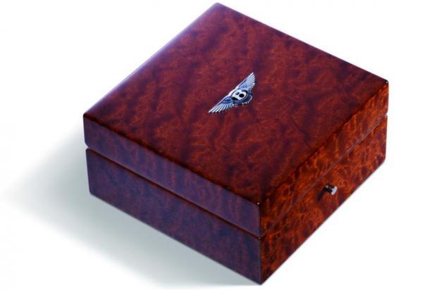 Коробка для часов - качество отделки и полировки Bentley
