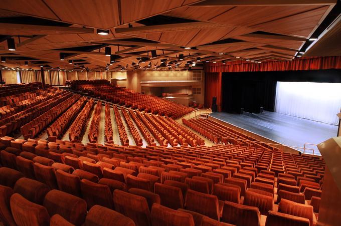 Собственный театр отеля