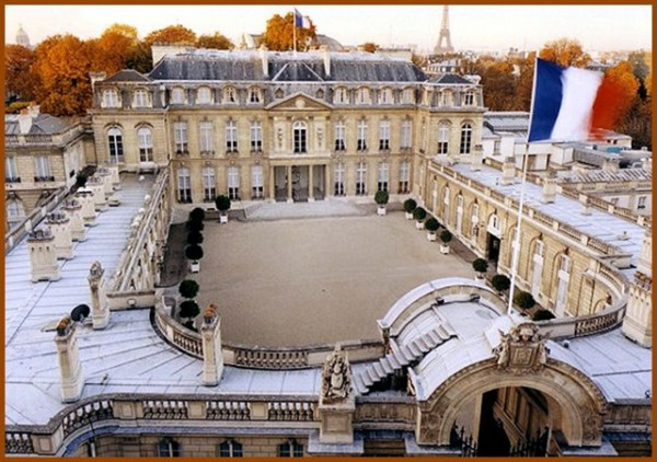 Для обычных посетителей Елисейский дворец открывает свои двери лишь в дни национального наследия
