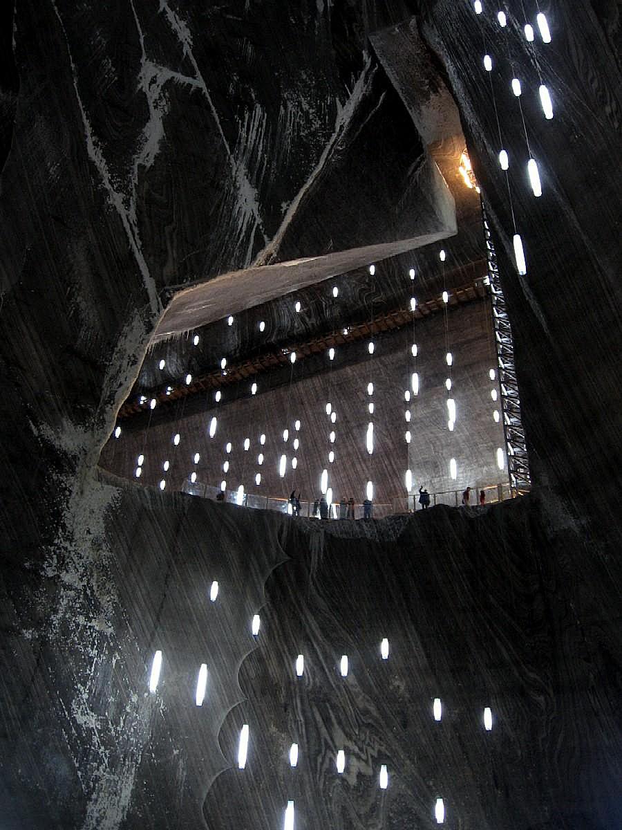 Соляные шахты в Турде - съемочный павильон для Бэтмена