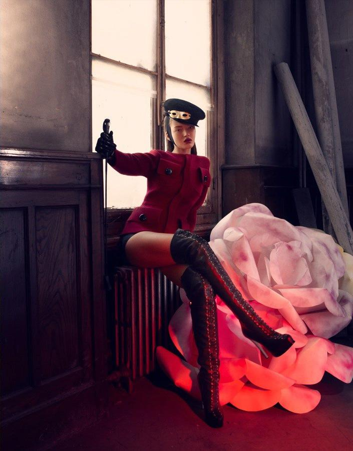 Фотосессия для ноябрьского номера Marie Clair Turkey, фотограф Emre Guven, модель Polina Uagen's