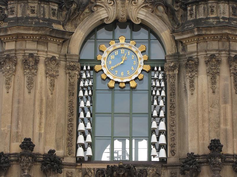 """""""Часы Цвингера"""", Дрезден, Германия"""