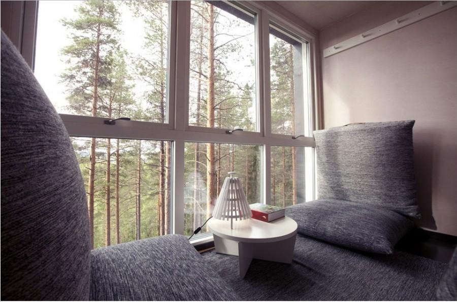 Площадь номера 24 кв. метра, двухспальная кровать, ванная комната и терраса на крыше