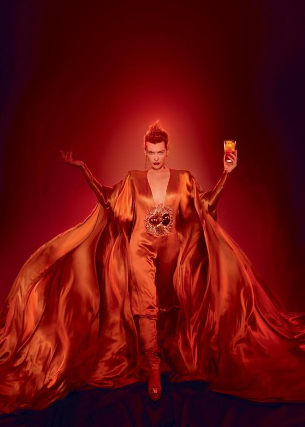 Милла Йовович - лицо Campari в календаре на 2012 год