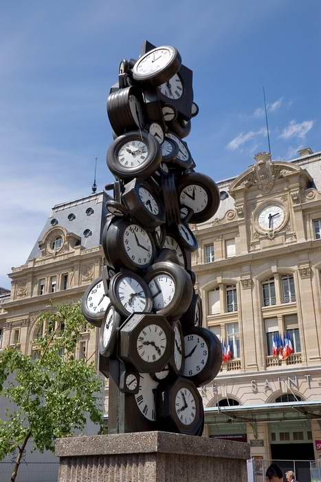 """""""Время для всех"""", Париж, Франция"""