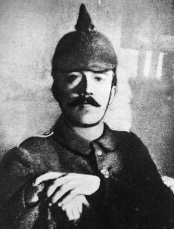 Адольф Гитлер, фото 1915 г.