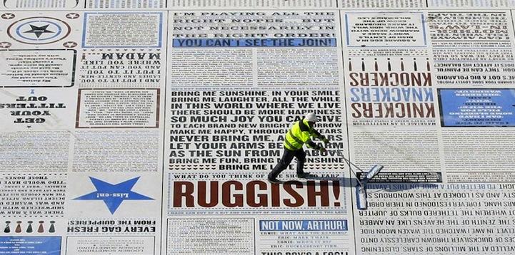 Гигантская комедия на набережной Blackpool в Великобритании