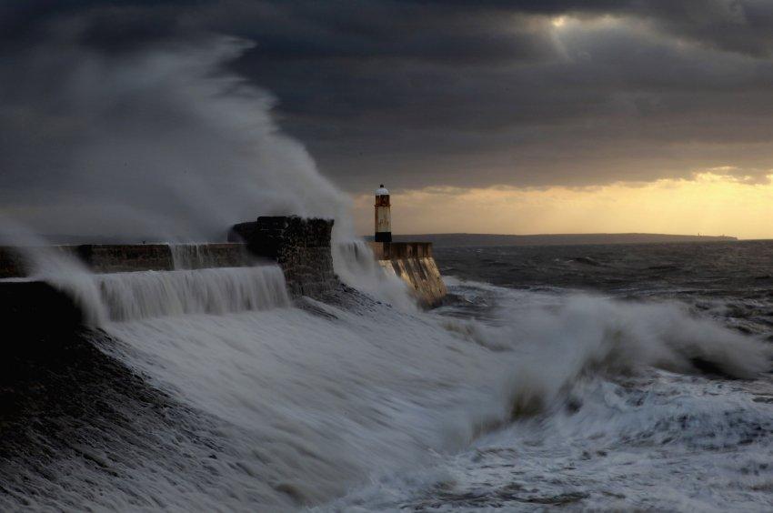Уэльс, ноябрь 2009, сильные штормы в Европе станут обычным явлением
