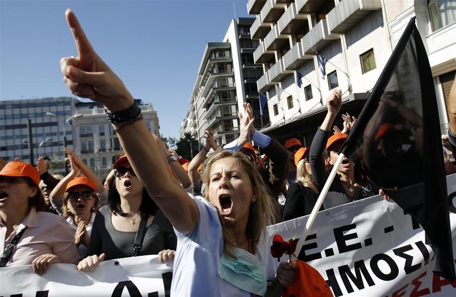 52 000 демонстрантов вышли на площадь Конституции в Афинах, 19 октября