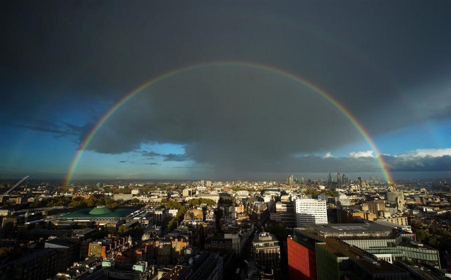 Двойная радуга над Лондоном, 26 октября