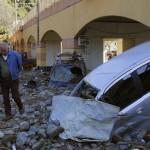 Груды мусора сейчас находятся на улицах Монтероссо,одном из самых красивых туристических мест Италии