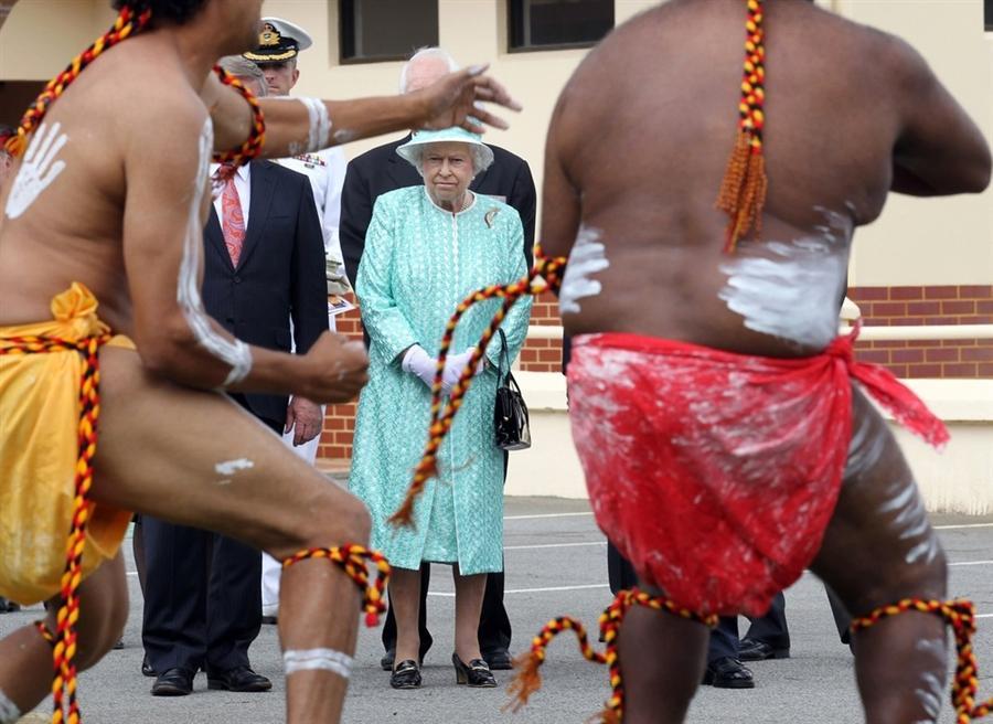 Елизавета II в Clontarf Aboriginal College, Перт, Австралия, 27 октября