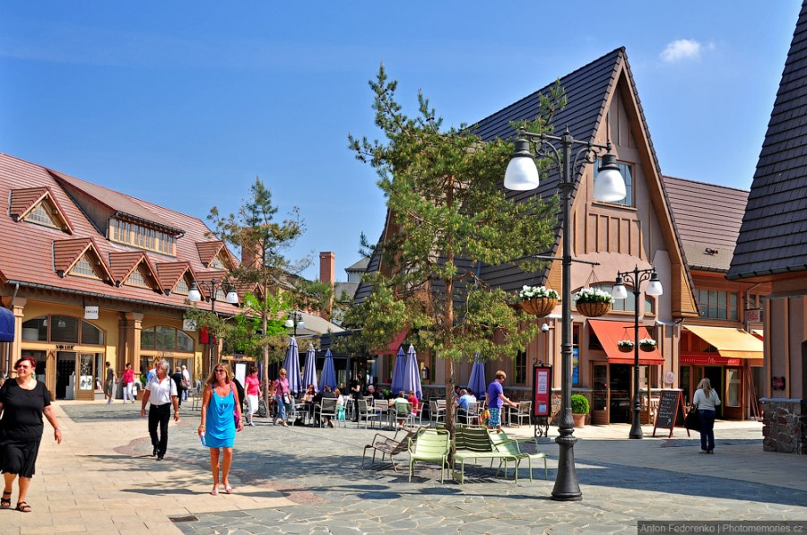 Шопинг в Бельгии, отутлет -  Maasmechelen Village outlet