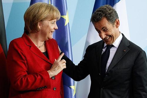 Меркель и Саркози являются новым тандемом Европы
