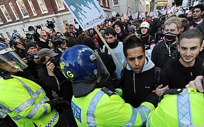 Демонcтрация студентов в Лондоне