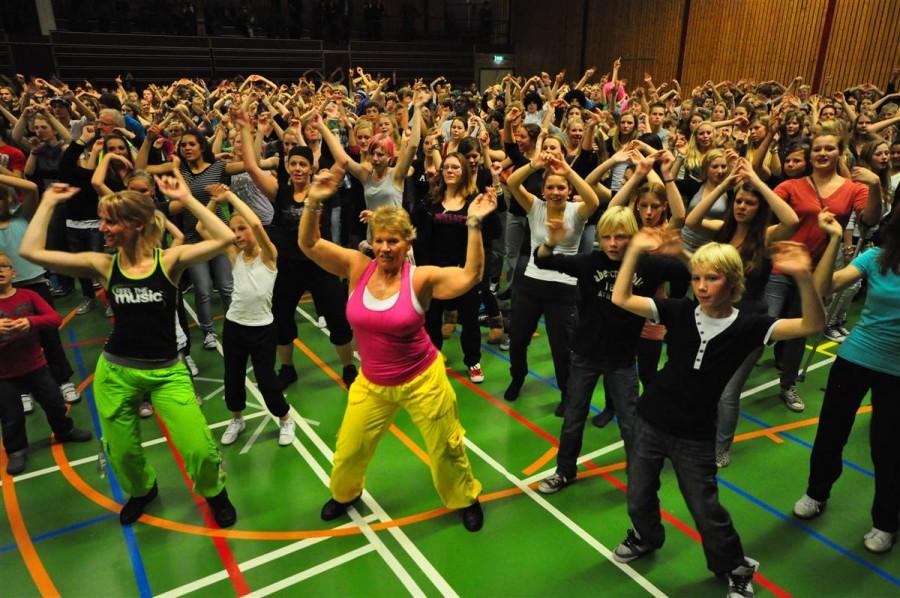 1439 человек пришли на занятие в Zumba класс в Нидерландах