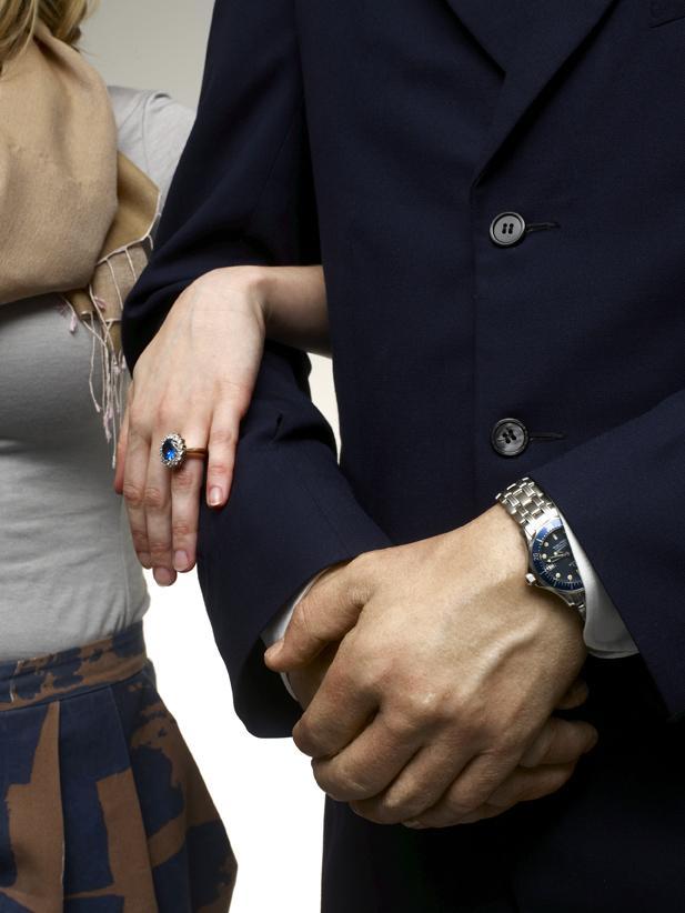 Точная копия обручального кольца подойдет любой женщине