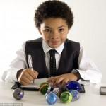 Harli Jordean возглавляет компанию по продаже мраморного стекла в интернете
