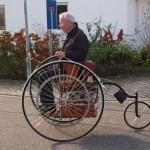 Старинный автомобиль снова на дорогах Германии