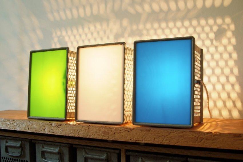 Металлические контейнеры используются в качестве ламп