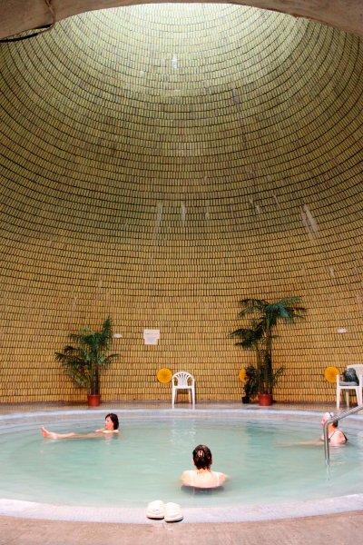Термальные, щелочные ванны Jaszbereny в Венгрии