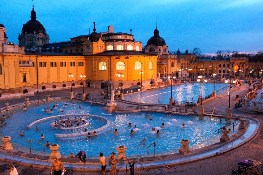 Ванны Сечени в Будапеште принимают 2 млн посетителей в год
